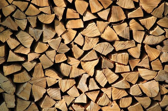 firewood-287015_640